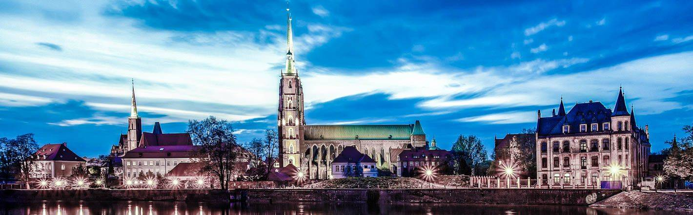 Find hotels in Wrocław: ✓Free Internet access ✓Reviewed hotel ratings ✓Good connection to city centre ✓HRS fair dealing service ✓Parking space