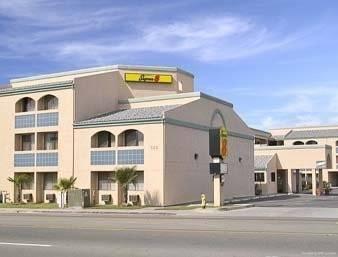 Hotel SUPER 8 BY WYNDHAM ESCONDIDO