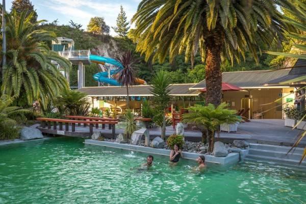 Hotel Taupo DeBretts Spa Resort