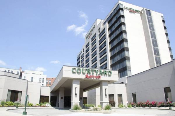 Hotel Courtyard Waterbury Downtown