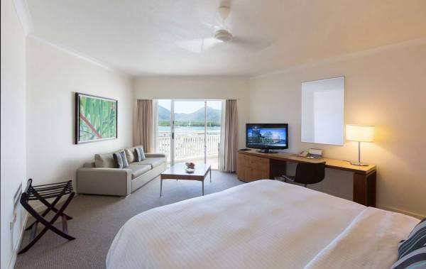 Hotel Shangri La Cairns