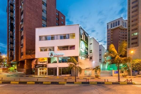 Hotel Travelers Apartasuites el Peñón