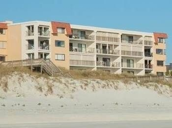 Hotel Windjammer 114 Beach Front 2 Bedrooms Unit Elevator HDTV Pool by RedAw