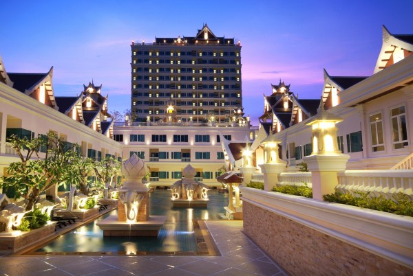 Hotel Grand Pacific Sovereign Resort and Spa