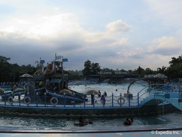 Hotel D'Leonor Inland Resort & Adventure Park