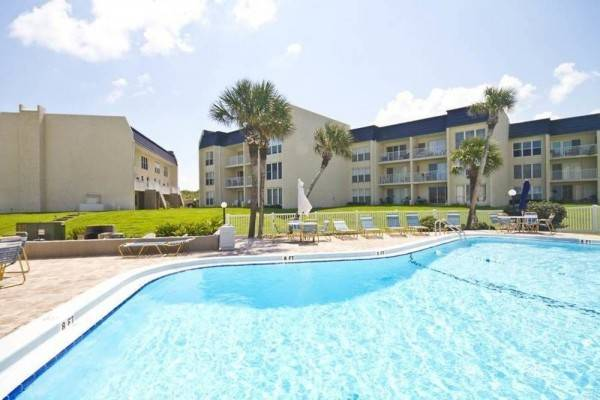 Hotel Tradewinds 201 2 Br condo by RedAwning