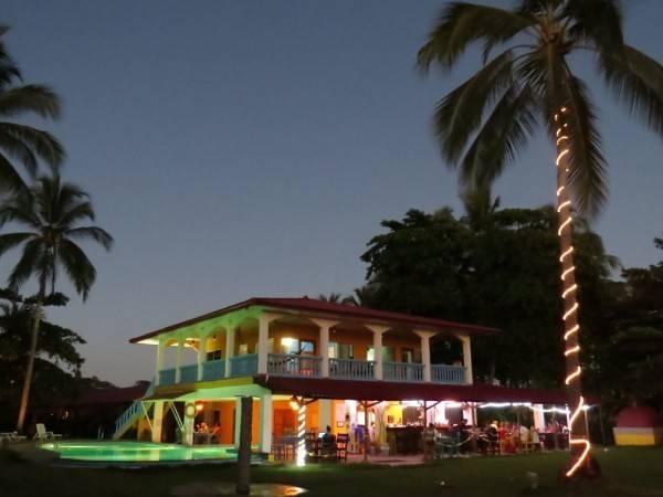 Hotel Las Lajas Beach Resort