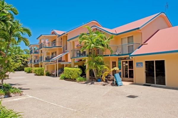 Hotel at Beach Court Holiday Villas