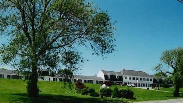 Hotel Sandwich Lodge And Resort