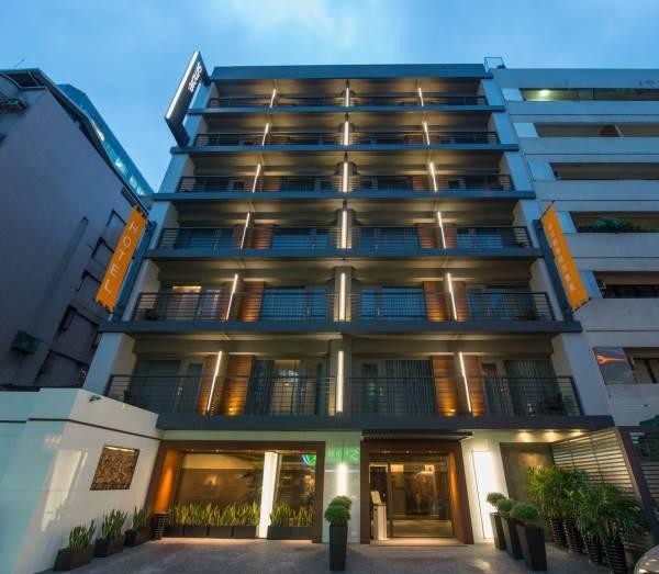 Simple Plus Hotel