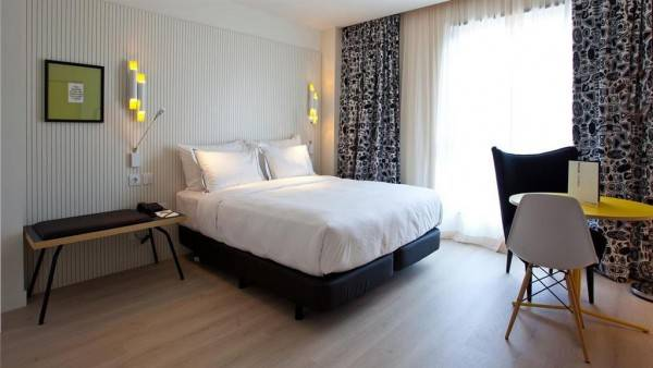 Hotel Vincci Bit