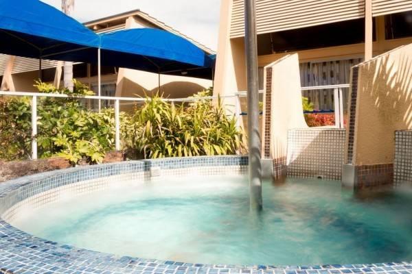 Hotel Oasis Beach Resort