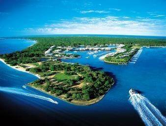 Hotel Ramada Couran Cove Island Resort