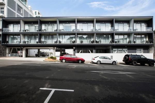 The Metrotel Motel