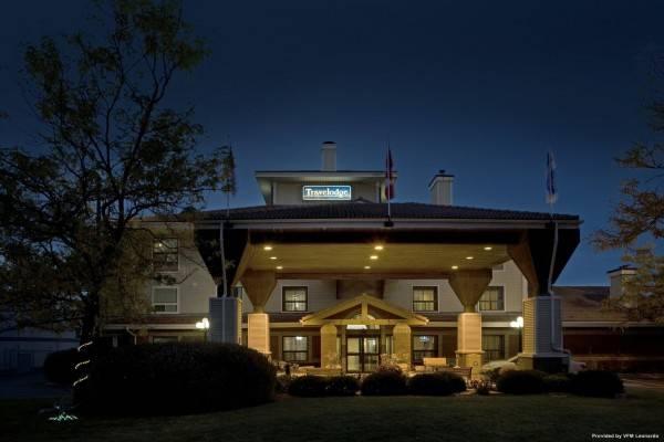 Hotel Travelodge by Wyndham Oshawa Whitby