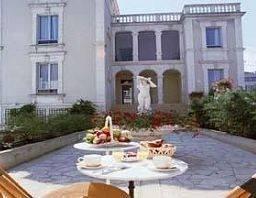 Hotel BEST WESTERN LE RENOIR