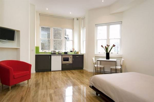 Hotel St James House - Concept Serviced Apartments