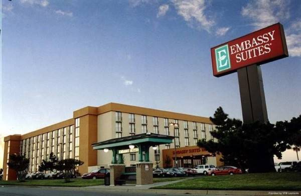 Hotel Embassy Suites by Hilton Oklahoma City Will Rogers Airport