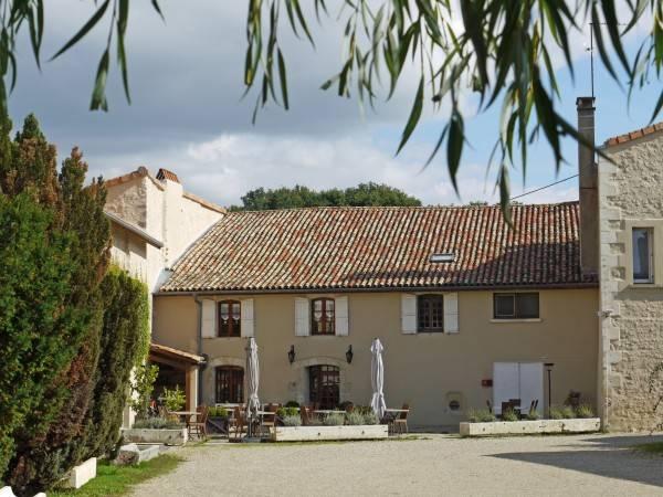 Hotel Le Chapeau Rouge