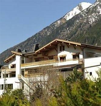 Hotel Les Ecrins De Soulane