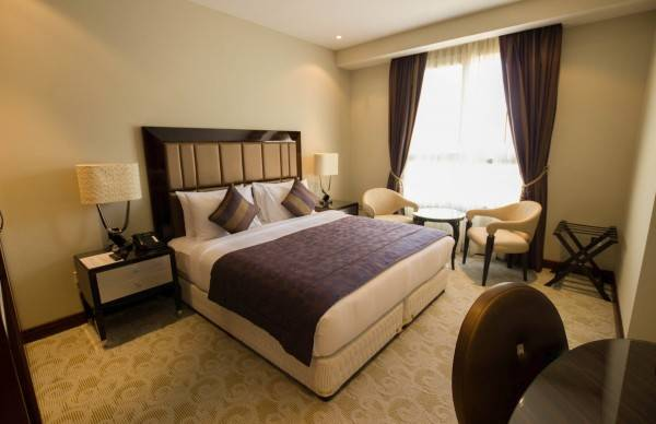 Strato Hotel by Warwick