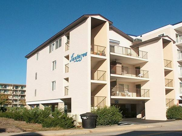 Hotel Fantasea 3W 3 Br condo by RedAwning