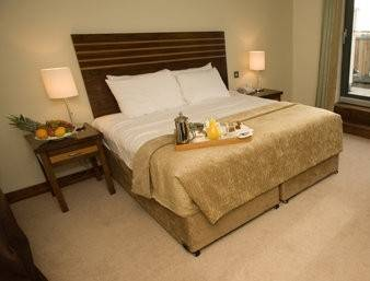 RAMADA HOTEL AND SUITES AT KIL