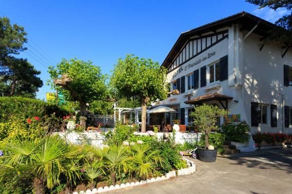 Hotel Emeraude des Bois Logis