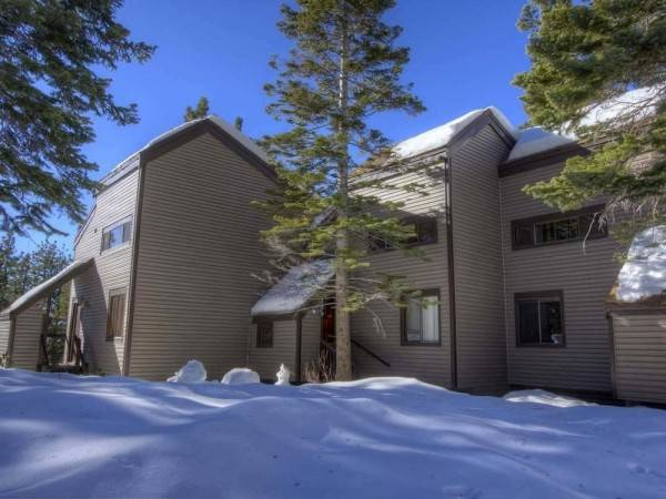 Hotel Lake Village Resort 3 Bedroom Townhouse by RedAwning