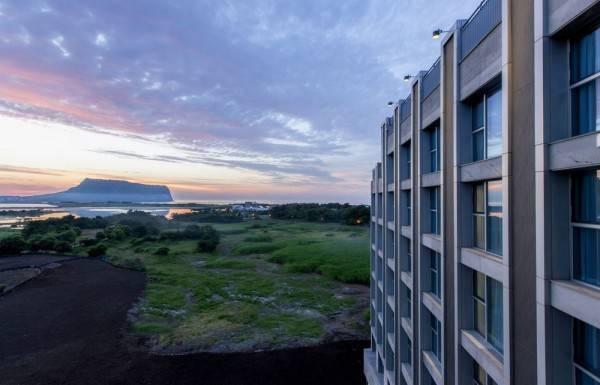 Hotel The Island Marina Resort