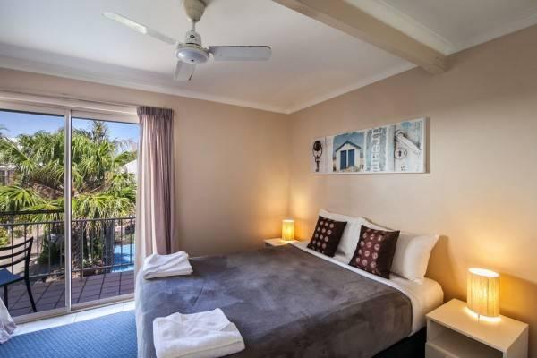Hotel Pelican Beach Resort