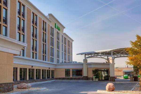 Holiday Inn Express WINNIPEG AIRPORT - POLO PARK