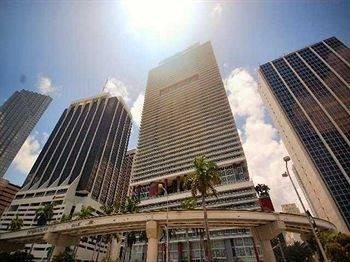Hotel Luxury Apartments at 50 Biscayne