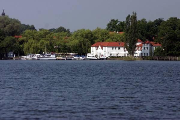 Seehotel Theodors (ehem. Seeschlösschen)