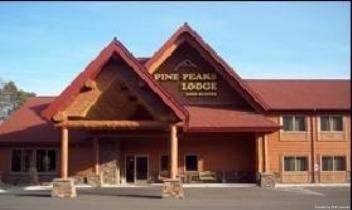 Hotel Pine Peaks Lodge and Suites