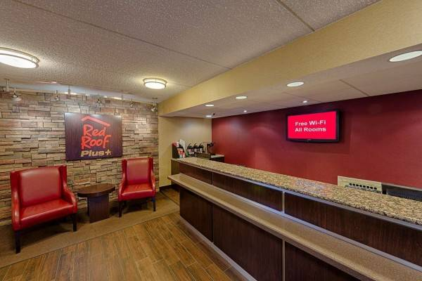 Hotel Red Roof PLUS University at Buffalo-Amherst