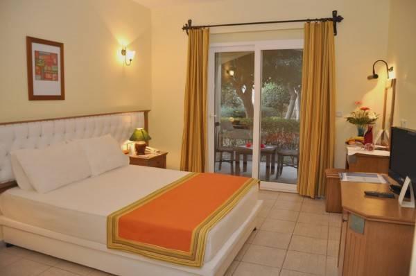 Hotel Tiana Beach Resort