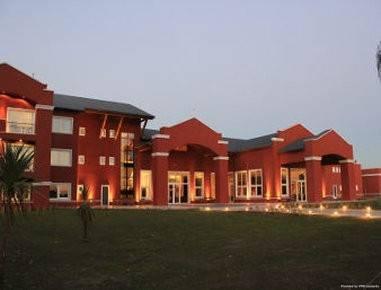 Hotel Howard Johnson by Wyndham Ezeiza Convention Center