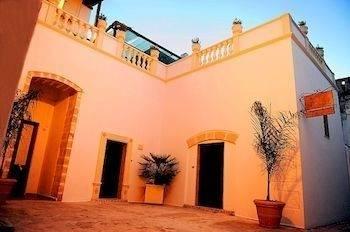Hotel Exedra Holiday House