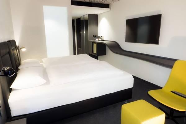 V8 Hotel Köln @MOTORWORLD
