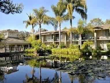 Hotel Ramada by Wyndham Santa Barbara