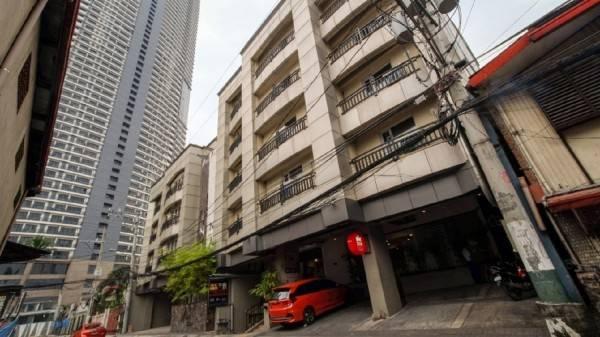 ZEN Rooms Poblacion @Artina Suites Hotel