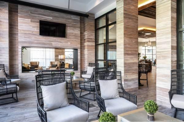 Holiday Inn & Suites NASHVILLE DTWN - CONV CTR