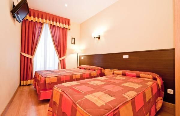 Hotel Hostal Las Cortes