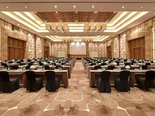 Hotel Pullman Danang Beach Resort