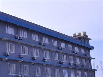 Dermaga Keluarga Hotel
