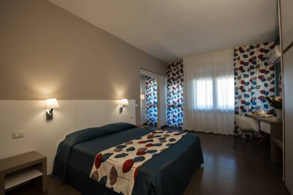 Hotel Marbela Apartments & Suites
