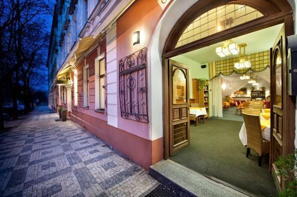 Hotel Aron
