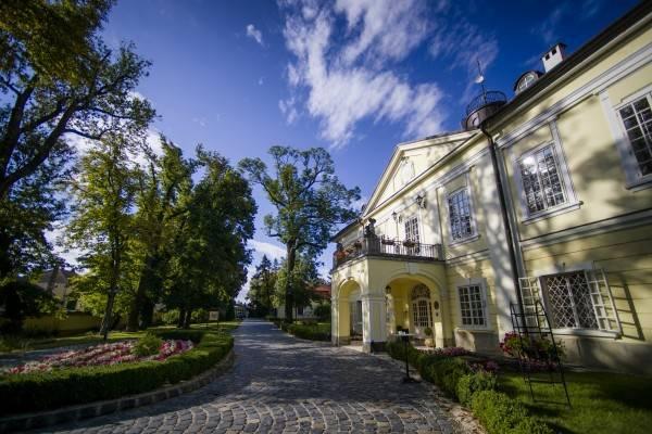 Szidonia Kastelyszalloda Schlosshotel
