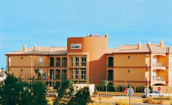 Hotel Leo Islamar